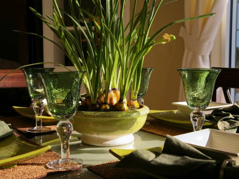 Designing Your Dining Table to be the Centerpiece of the Room - flowers and plants
