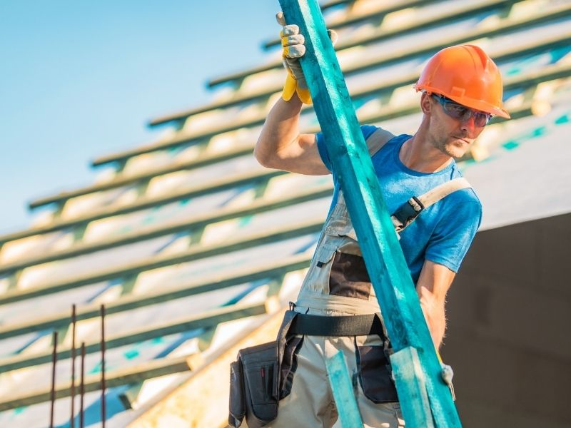 9 Indications that it's Time for a Commercial Roofing Contractor