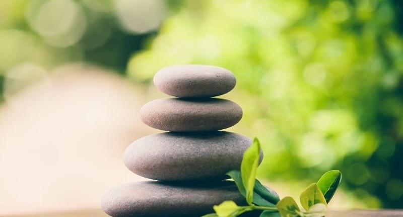 Easy Ways To Create Zen Outdoor Space - Rock Decor