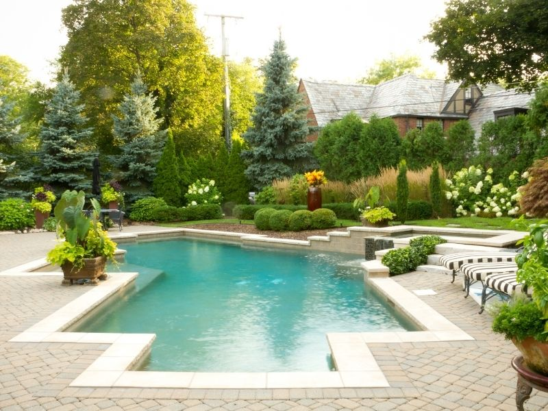 Ways to Design a Pool for Lovers of Arts and Anime