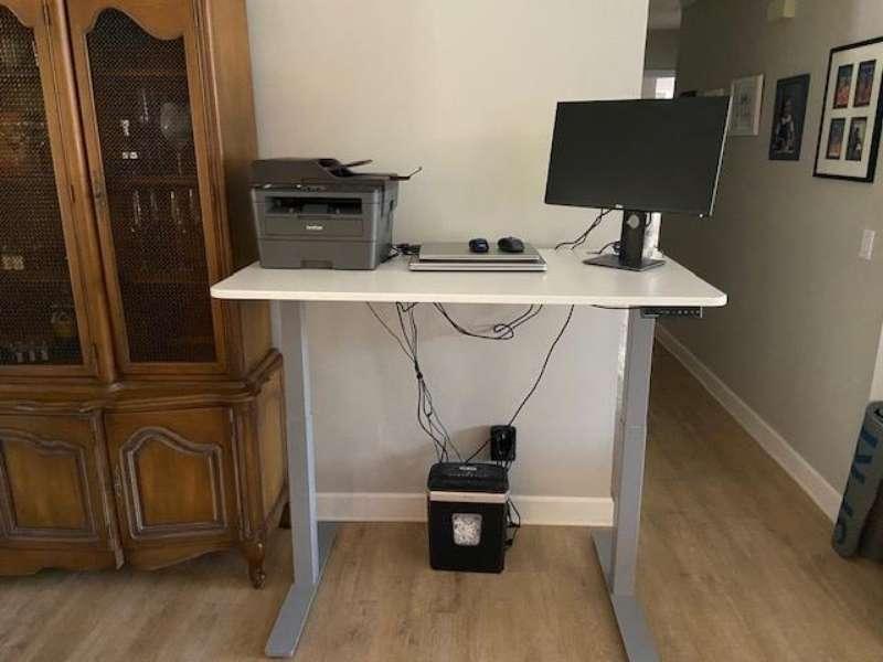Autonomous SmartDesk Assembled in Lisa's Home