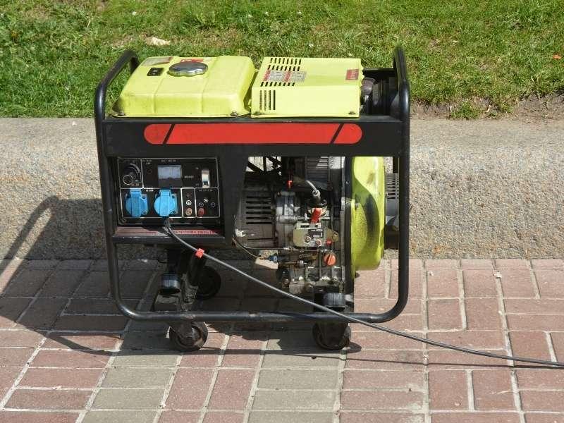 10 Generator Maintenance Tips