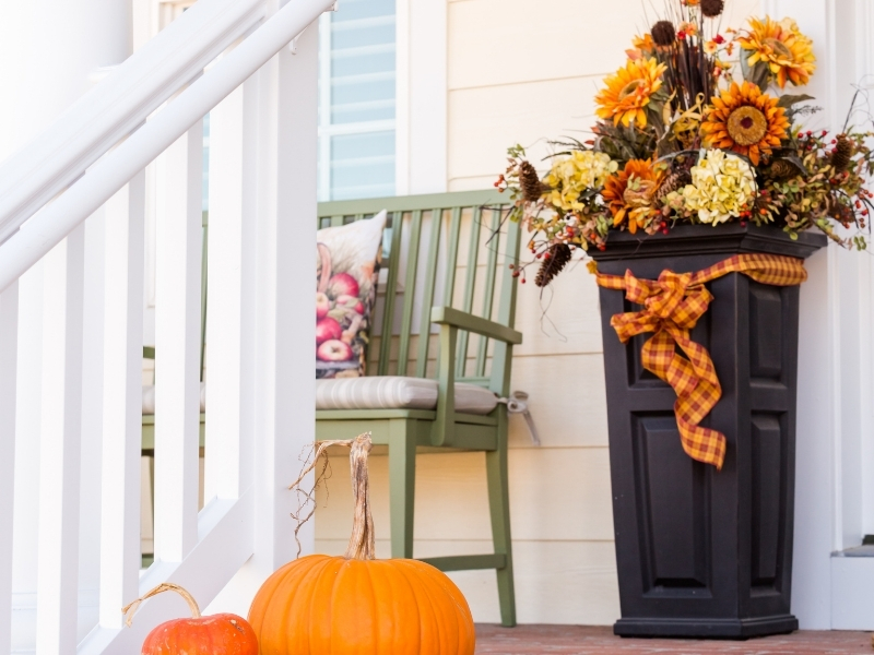 Halloween Decor Through the Front Door
