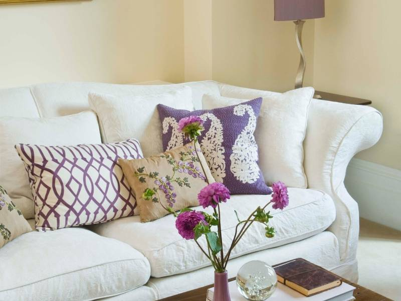 Artensal Look Brightly Colored Cushions