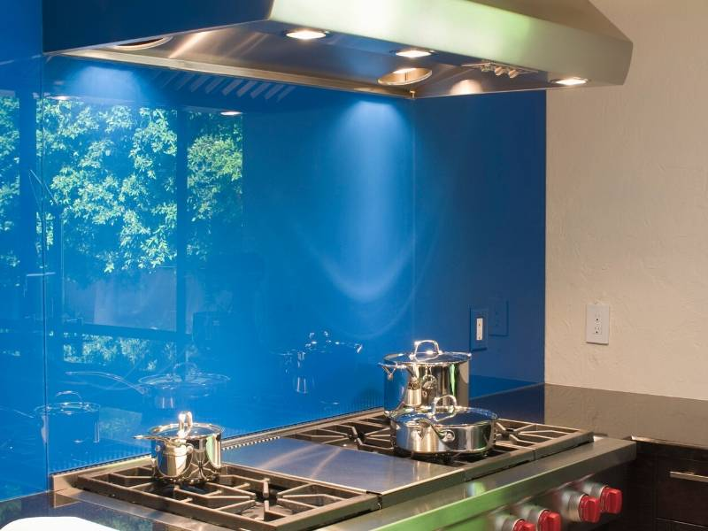 The Advantages And Disadvantages Of A Glass Splashback Dig This Design